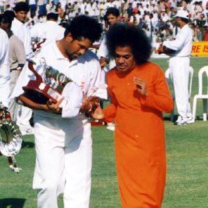 Sri Sathya Sai Baba and Sachin Tendulkar