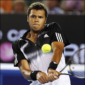 Tsonga knocks Federer out of Wimbledon