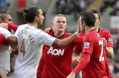 Sir Alex Ferguson wraths over Robin Van Persie incident