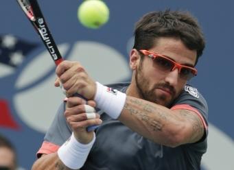 Janko Tipsarević upsets Andy Murray