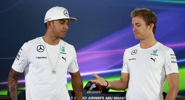 Nico Rosberg furious with 'slow' Lewis Hamilton