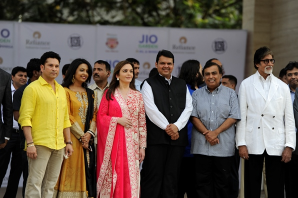 Sachin Tendulkar, Mrs Fadnavis, Mrs Nita Ambani, Shri Devendra Fadnavis, Shri Mukesh Ambani and Shri Amitabh Bachchan at the inauguration function of Jio Garden at Bandra-Kurla Complex, Mumbai and the Reliance Foundation Young Champs Scholarship Award ceremony