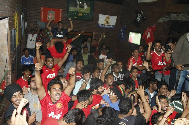 Maddening scenes after a late, late RVP equalizer against Chelsea