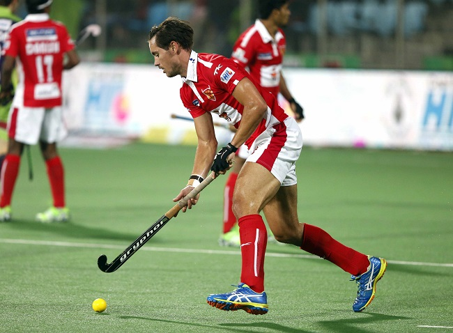 Dabang Mumbai HC storm ahead defeating Delhi Waveriders 8-3