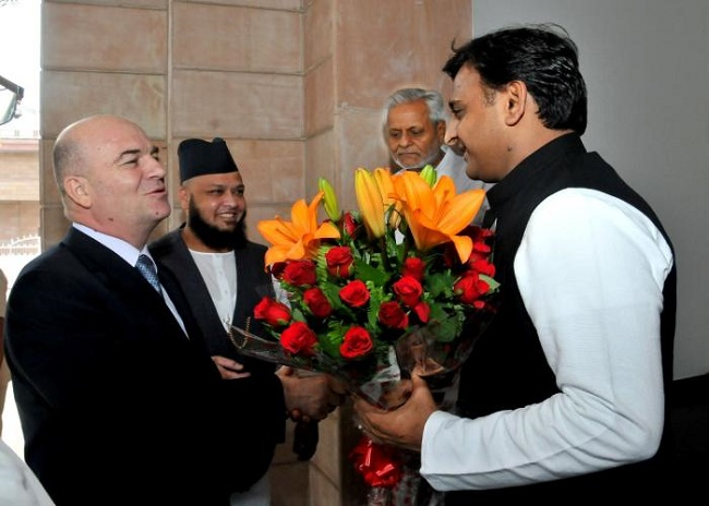 Uttar Pradesh Chief Minister Akhilesh Yadav with Ambassador of Croatia to India, Amir Muharemi