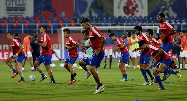 Mumbai City FC players warmup