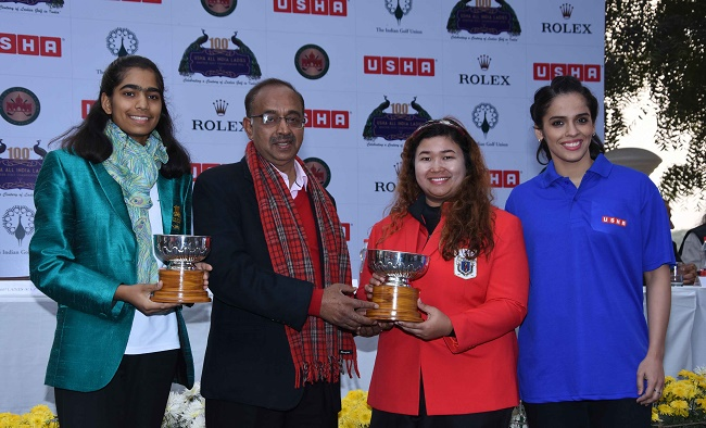 Runner up Diksha Dagar, Hon'ble Minister Vijay Goel, Champion Nur Durriah Damian and Saina Nehwal