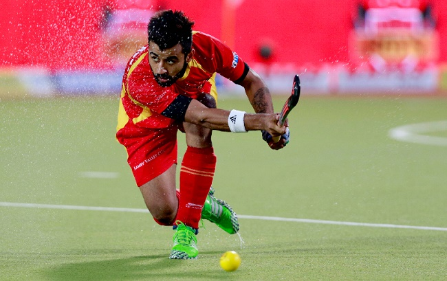 Ranchi Rays midfielder Manpreet Singh in action at the Coal India Hockey India League (HIL)