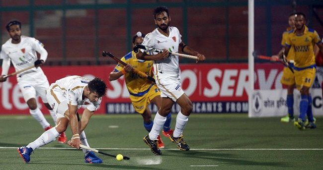 HIL 2017: Dabang Mumbai prove their mettle with a narrow 2-1 win against Jaypee Punjab Warriors