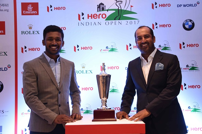 Indian Golfers S Chikarangappa and Shiv Kapur with the Hero Indian Open trophy