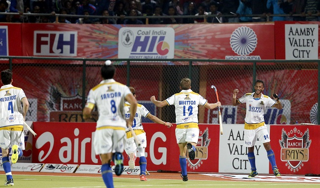 Jaypee Punjab Warriors celebrate their Coal India Hockey India League win