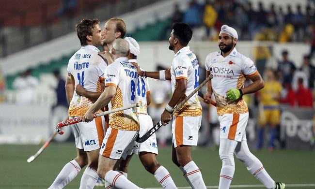 Kalinga Lancers players celebrate