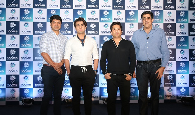 (Left to Right) Mrinmoy Mukherjee, Sonu Nigam, Sachin Tendulkar & Rajan Navani