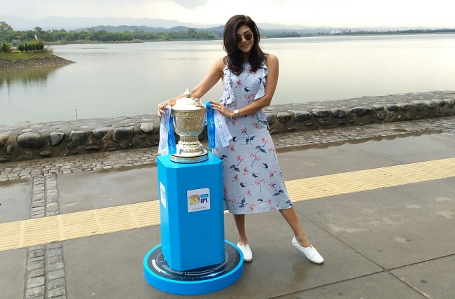 The VIVO IPL 2017 trophy made a stopover at the iconic tourist spot Sukhna Lake with model Archana Vijaya